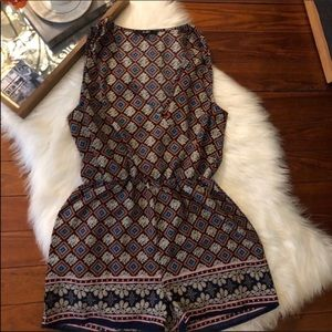 Euc Papaya boho sleeveless shorts romper m